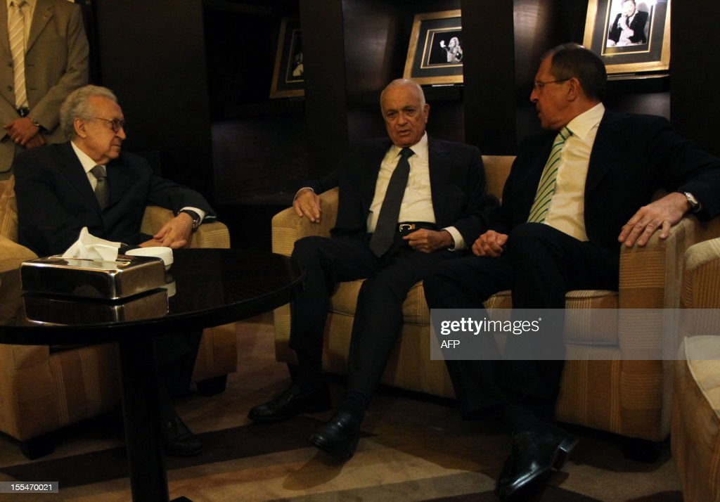 Secretary General of the Arab League Nabil al-Arabi (C) meets with UN-Arab League peace envoy Lakhdar Brahimi (L) and Russian Foreign Minister Sergei Lavrov (R) in Cairo on November 4, 2012. Lavrov will hold talk on Syria in Cairo before heading to Amman for discussions with King Abdullah II of Jordan and his counterpart Nasser Judeh.