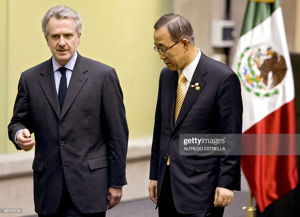 Secretary General of the United Nations Ban KiMoon speaks with Mexican Senator Santiago Creel during a visit to the Mexican senate in Mexico City on...