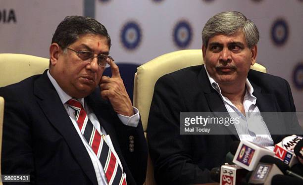 BCCI secretary N Srinivasan and BCCI president Shashank Manohar during a press conference at BCCI headquarters in Mumbai on April 26 2010