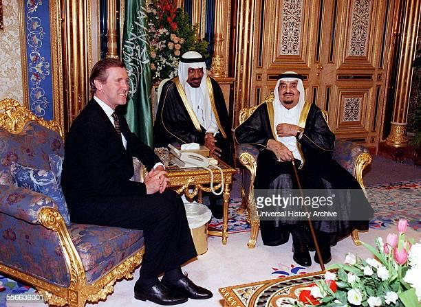 Secretary of Defence William S Cohen meets with King Fahd bin Abd alAziz Al Saud at AlYamamah Palace Riyadh Saudi Arabia on October 13 1998 Cohen is...
