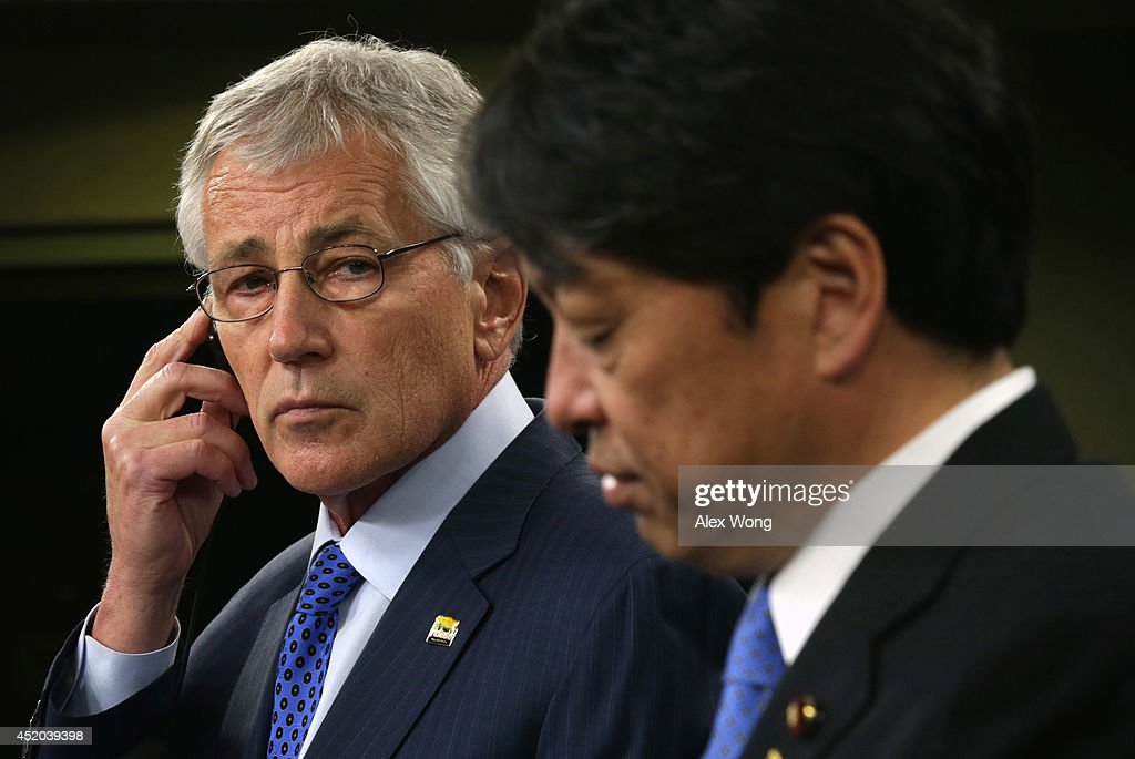 U.S. Secretary of Defense Chuck Hagel (L) and Japanese Minister of Defense Itsunori Onodera (R) participate in a joint news conference at the Pentagon July 11, 2014 in Arlington, Virginia. Onodera is on an eight-day visit in the U.S.