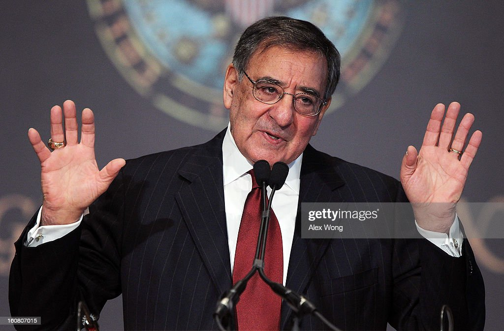 Panetta Gives Speech On  Leadership and Public Service