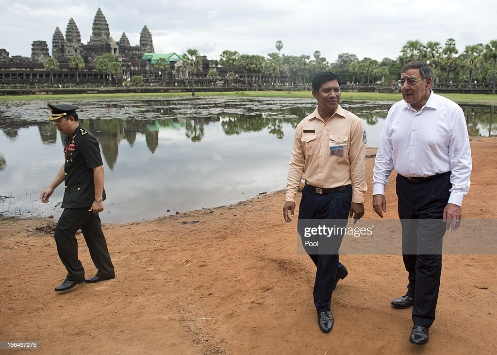 US Secretary of Defense Leon Panetta (R) visits Angkor Wat following the ASEAN Defense Ministers Meeting Retreat on November 16, 2012 in Siem Reap, Cambodia. Panetta is attending a meeting retreat of 10 southeast Asian defense ministers ahead of a visit by President Barak Obama next week.