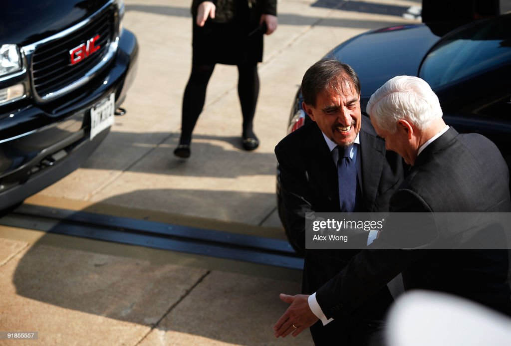 Defense Secretary Gates Holds Honor Cordon For Italian Foreign Minister
