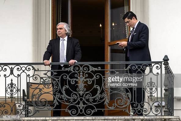 Us secretary of energy ernest moniz l takes a break on a for Balcony sessions