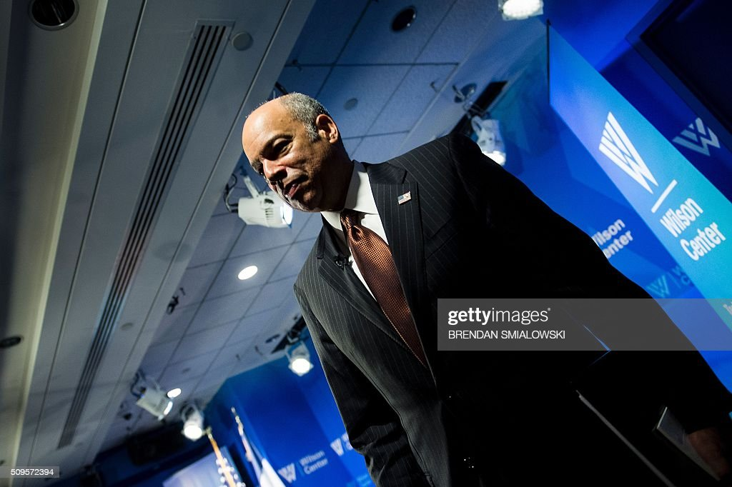 US Secretary of Homeland Security Jeh Johnson leaves after a state of the Department of Homeland Security speech at the Woodrow Wilson Center on February 11, 2016 in Washington, DC. / AFP / Brendan Smialowski