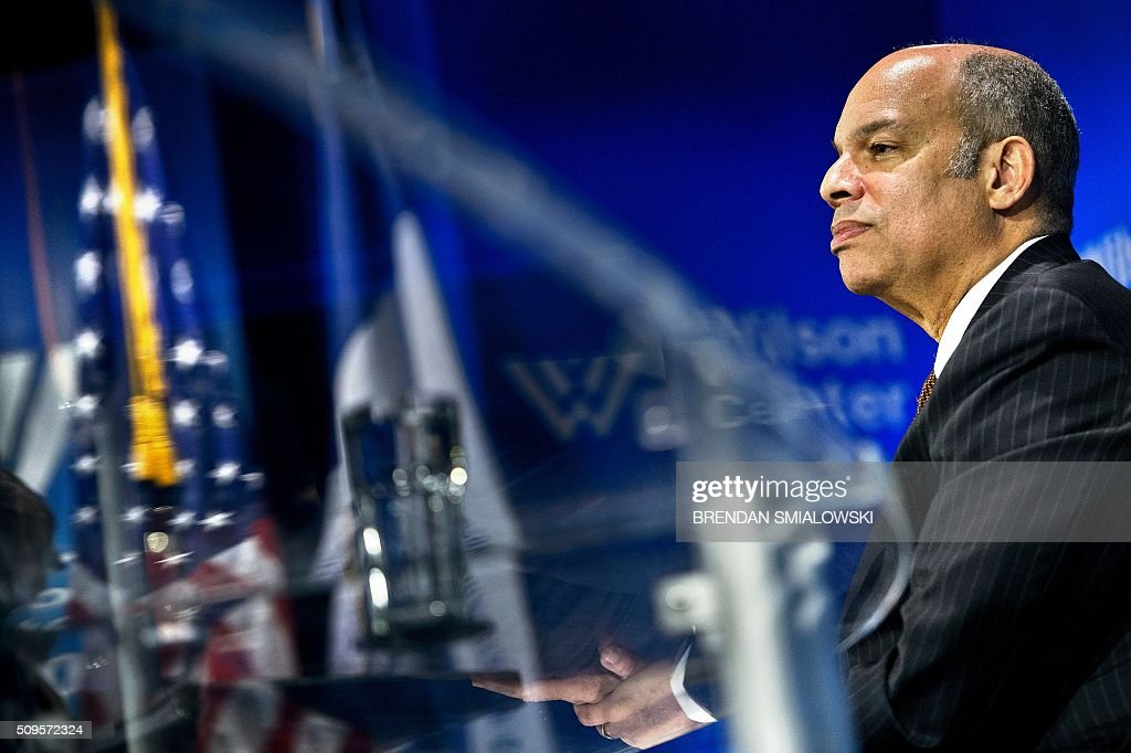 US Secretary of Homeland Security Jeh Johnson listens to a question while speaking during a state of the Department of Homeland Security speech at the Woodrow Wilson Center on February 11, 2016 in Washington, DC. / AFP / Brendan Smialowski