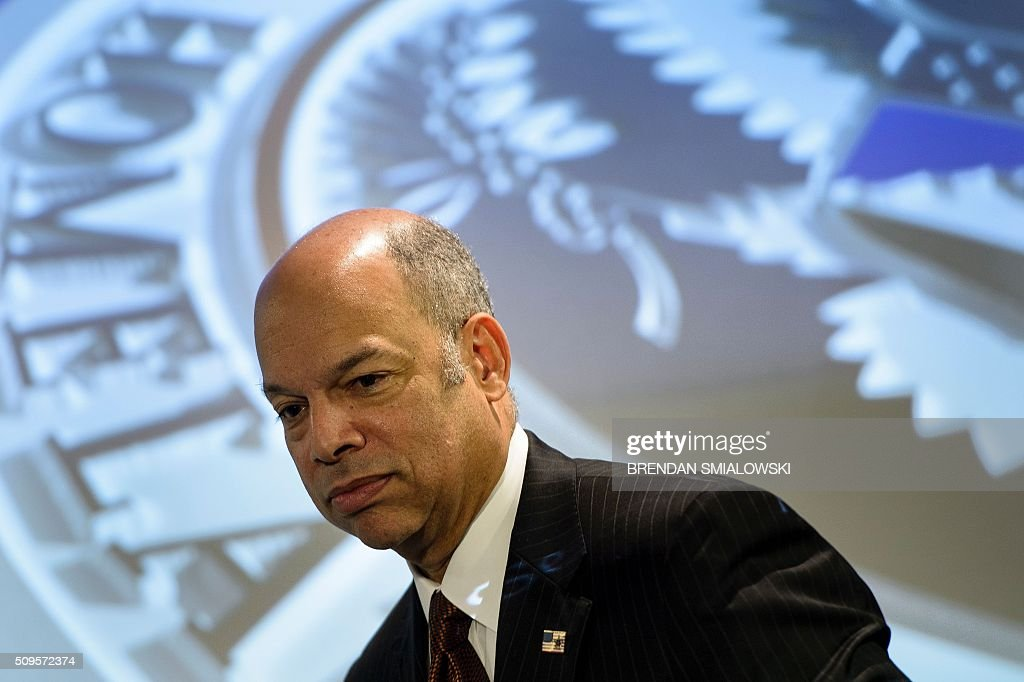 US Secretary of Homeland Security Jeh Johnson waits to speak during a state of the Department of Homeland Security speech at the Woodrow Wilson Center on February 11, 2016 in Washington, DC. / AFP / Brendan Smialowski