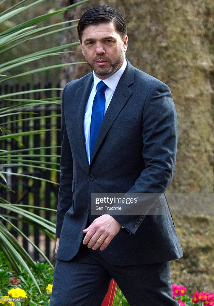 Secretary of State for Work and Pensions Stephen Crabb arrives for the weekly cabinet meeting chaired by British Prime Minister David Cameron at Number 10 Downing Street on March 22, 2016 in London, England. Today is the first cabinet meeting since Iain Duncan Smith was replaced by Stephen Crabb as Secretary of State for Work and Pensions.