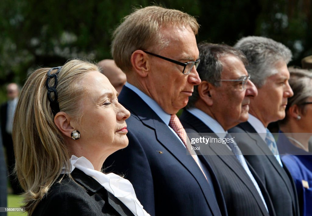 US Secretary of State <a gi-track='captionPersonalityLinkClicked' href=/galleries/search?phrase=Hillary+Clinton&family=editorial&specificpeople=76480 ng-click='$event.stopPropagation()'>Hillary Clinton</a>, Australian Foreign Affairs minister <a gi-track='captionPersonalityLinkClicked' href=/galleries/search?phrase=Bob+Carr&family=editorial&specificpeople=209391 ng-click='$event.stopPropagation()'>Bob Carr</a>, US Defence Secretary Leon Panetta and Australian Minister of Defence Stephen Smith attend a wreath laying ceremony at Kings Park during the Australia-United States Ministerial Consultation, on November 14, 2012 at Cottesloe Beach near Perth , Australia. The bilateral AUSMIN forum will focus on foreign, defence and strategic policy.