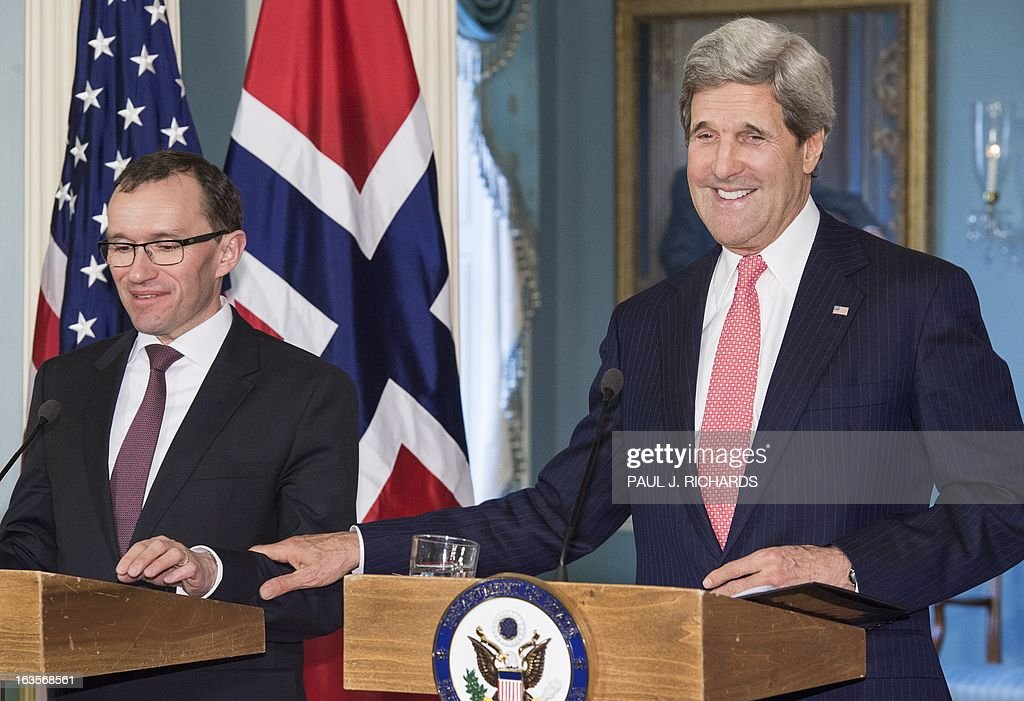 US Secretary of State John Kerry and Norwegian Foreign Minister Espen Barth Eide (L), deliver remarks and take questions from the media at the US Department of State, March 12, 2013, in Washington, DC. AFP Photo/Paul J. Richards
