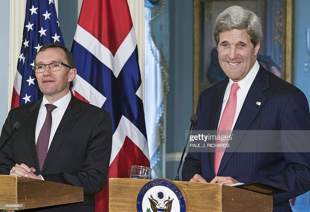 US Secretary of State John Kerry and Norwegian Foreign Minister Espen Barth Eide, deliver remarks and take questions from the media in the Treaty Room of the US Department of State.March 12, 2013, in Washington, DC. AFP Photo/Paul J. Richards