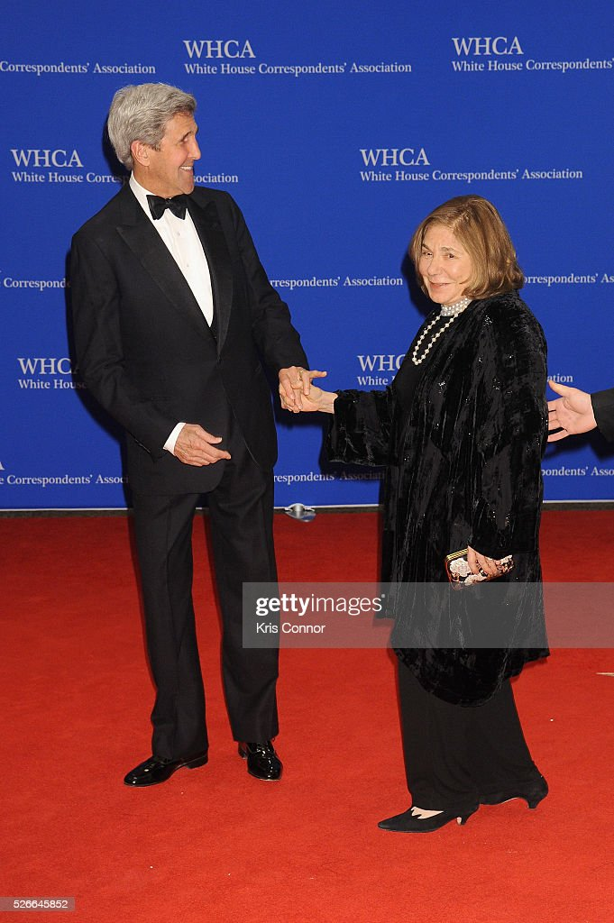 U.S. Secretary of State John Kerry (L) and Teresa Heinz attends the 102nd White House Correspondents' Association Dinner on April 30, 2016 in Washington, DC.