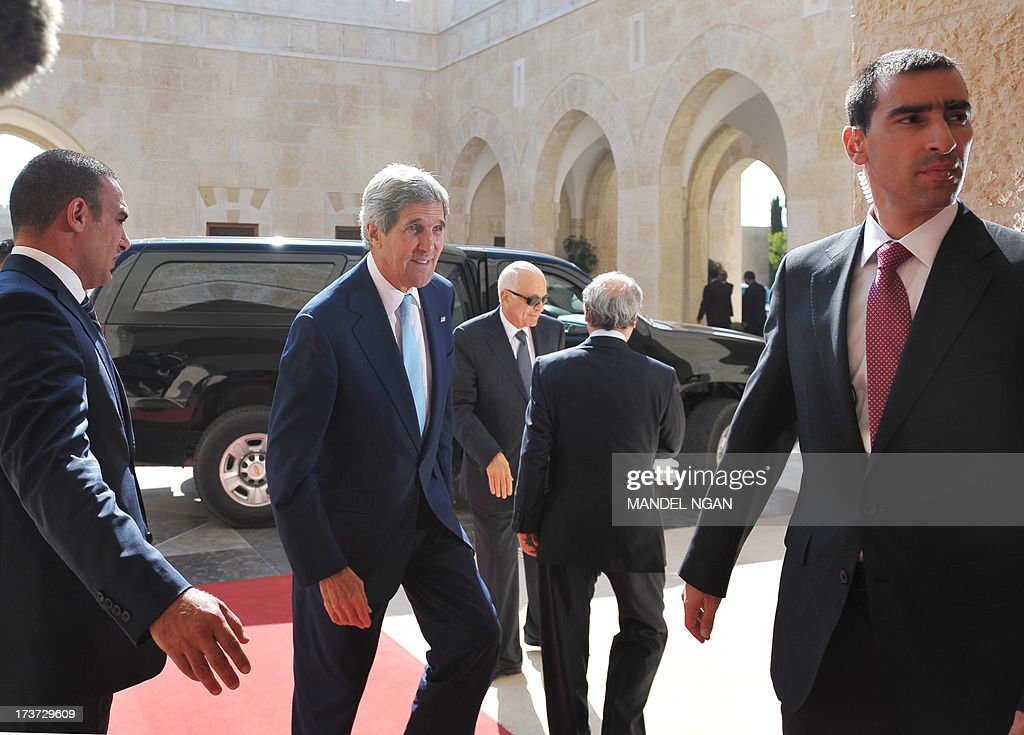 US Secretary of State John Kerry arrives for a meeting with Jordan's King Abdullah II at the al-Hummar Palace on July 17, 2013 in Amman.. Kerry is on his sixth visit to the region as he seeks to persuade the Israelis and Palestinians to resume direct negotiations which broke down almost three years ago. AFP PHOTO/Mandel NGAN