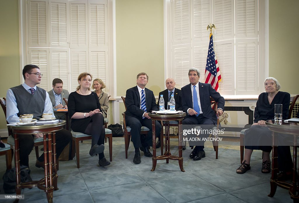 US Secretary of State John Kerry (2nd R) meets Russia's Civil Society Representatives at Spaso House, the US Ambassador residence in Moscow, on May 8, 2013, with Moscow Helsinki Group founder and chairwoman Lyudmila Alekseyeva (L) and US Ambassador to Russia Michael McFaul (C) attending. Kerry arrived yesterday in Moscow for talks with Russian President Vladimir Putin, seeking to restore frayed US-Russia ties and win Moscow's support on the war in Syria. AFP PHOTO/POOL/MLADEN ANTONOV