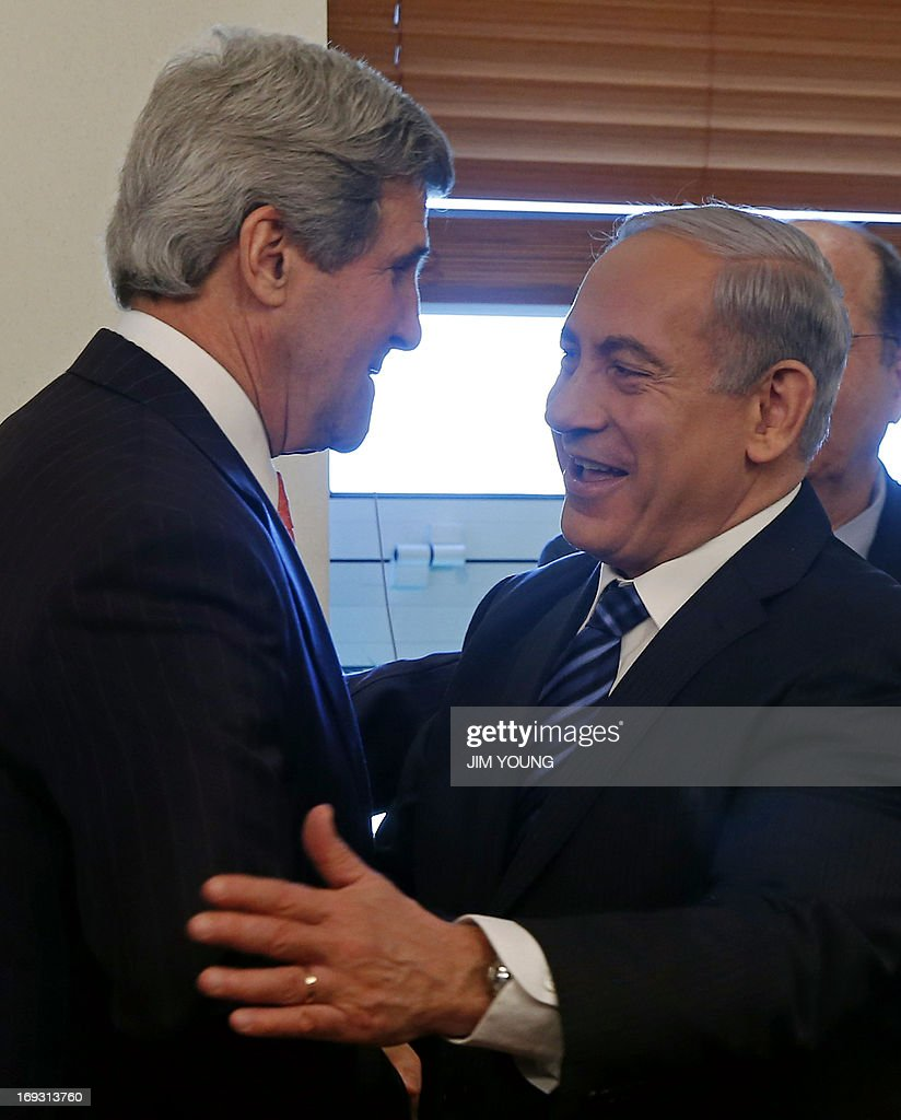 US Secretary of State John Kerry (L) meets with Israeli Prime Minister Benjamin Netanyahu in Jerusalem on May 23, 2013. Kerry flew in to Jerusalem as he kept up a push to bring Israelis and Palestinians back to peace negotiations amid a growing scepticism over his efforts.