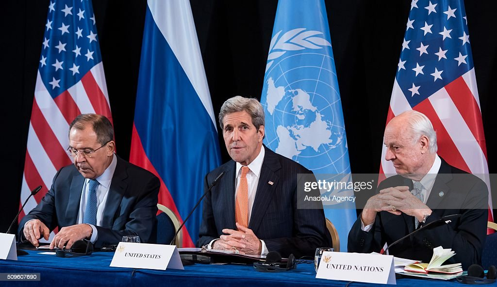 U.S. Secretary of State John Kerry (C), Russian Foreign Minister Sergey Lavrov (L), and UN Special Envoy for Syria Staffan de Mistura (R), attend a news conference after the International Syria Support Group (ISSG) meeting in Munich, Germany, on February 12, 2016.