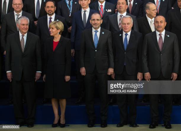 US Secretary of State Rex Tillerson speaks with Australian Foreign Minister Julie Bishop as Jordanian Foreign Minister Ayman Safadi French Foreign...