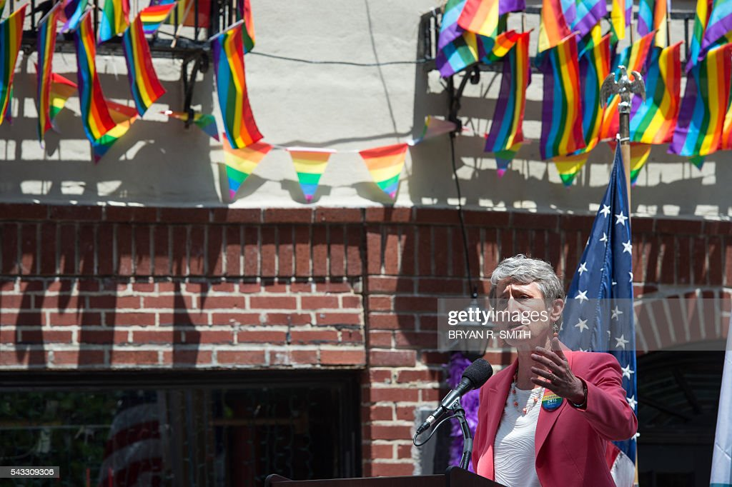 Secretary of the Interior Sally Jewel speaks as Mayor Bill de Blasio joins elected officials, advocates and New Yorkers in designating Stonewall Inn a National Monument on June 27, 2016 in New York. / AFP / Bryan R. Smith