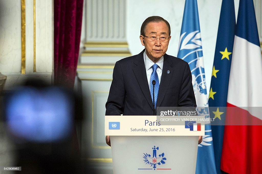 UN Secretary-General Ban Ki-moon delivers a speech during a joint press conference with the French President Francois Hollande following a meeting on June 25, 2016 at the Elysee Palace in Paris. / AFP / GEOFFROY