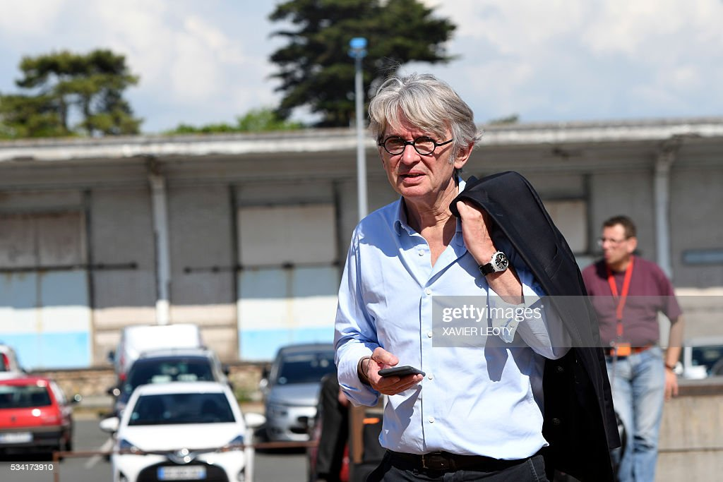 Secretary-general of Force Ouvriere (FO) French worker's union Jean-Claude Mailly arrives on May 25, 2016 at the 22nd Congress of FO Metals Federation held from 25 to 27 May 2016 in La Rochelle, southwestern France. / AFP / XAVIER