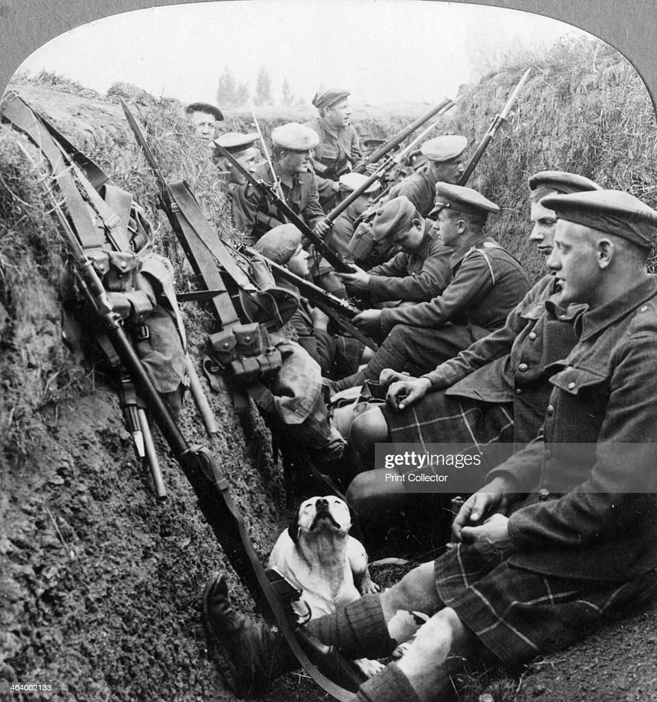A section of Seaforth Highlanders snatching a moments respite World War I c1914c1918 Stereoscopic card Detail