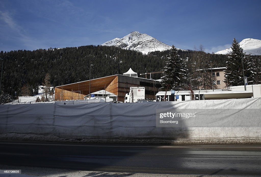Security fencing surrounds the Kongress Zentrum, or Congress Center, the venue for the World Economic Forum (WEF) in Davos, Switzerland, on Saturday, Jan. 18, 2014. Next week the business elite will gather in the Swiss Alps for the 44th annual meeting of the World Economic Forum (WEF) in Davos for the five day event which runs from Jan. 22-25. Photographer: Simon Dawson/Bloomberg via Getty Images