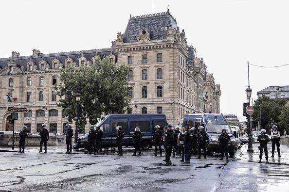Police Attacker Shot At Notre-Dame Cathedral : News Photo