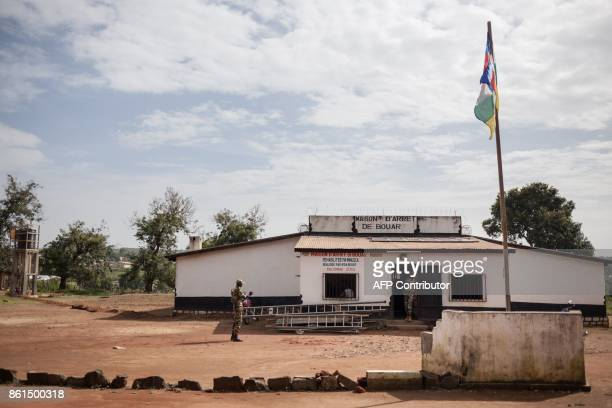 Security forces stand guard in front of the Bouar detention centre in Bouar western Central African Republic on October 13 2017 In the Central...
