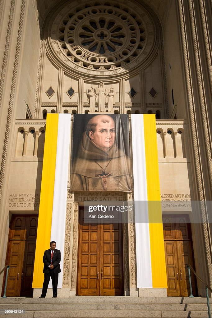 Security stands in front of the Basilica of the National Shrine of the Immaculate Conception /The Catholic University of America where Pope Francis...