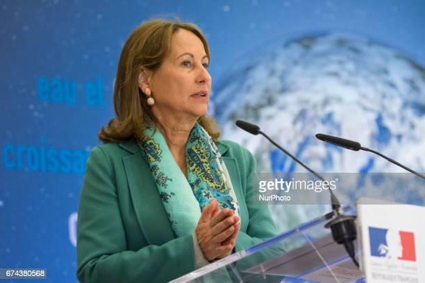 Segoléne Royal awarded the best energy renawal enterprises at the Enviromental Minister in Paris France on April 27 2017