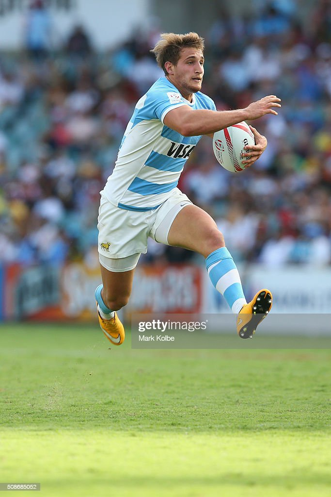 Segundo Tuculet of Argentina jumps as he runs the ball during the match between Fiji and Argentina at the 2016 Sydney Sevens at Allianz Stadium on February 6, 2016 in Sydney, Australia.