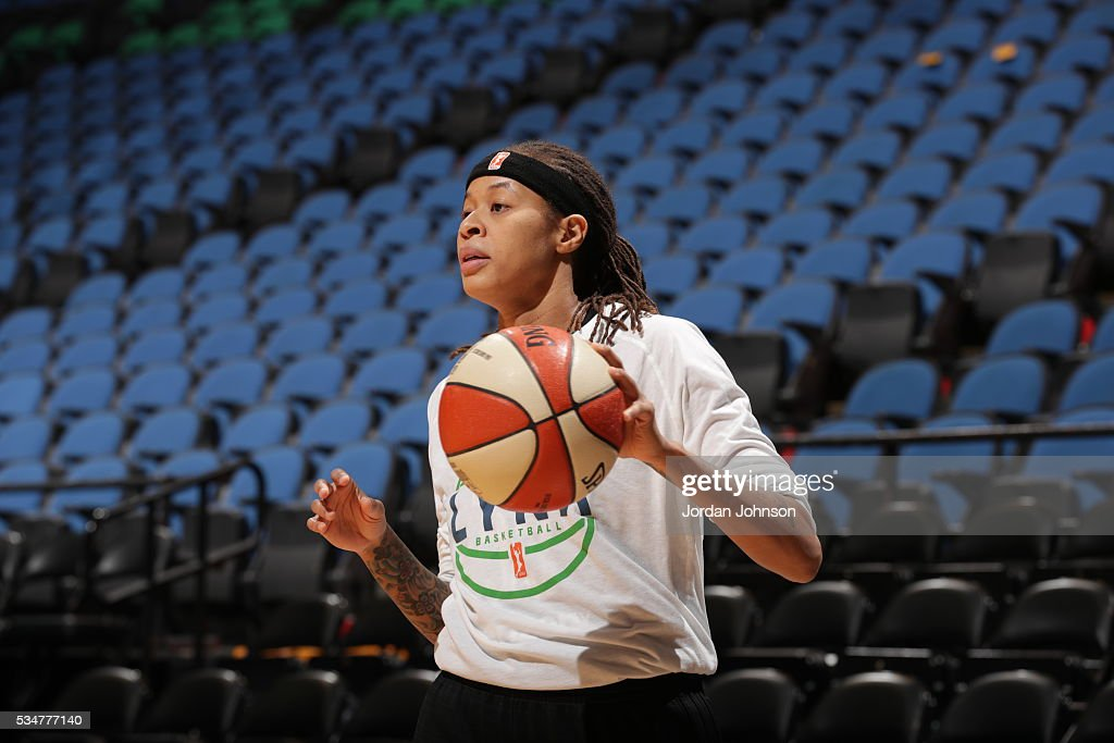 <a gi-track='captionPersonalityLinkClicked' href=/galleries/search?phrase=Seimone+Augustus&family=editorial&specificpeople=540457 ng-click='$event.stopPropagation()'>Seimone Augustus</a> #33 of the Minnesota Lynx warms up before the game against the Indiana Fever on May 27, 2016 at Target Center in Minneapolis, Minnesota.