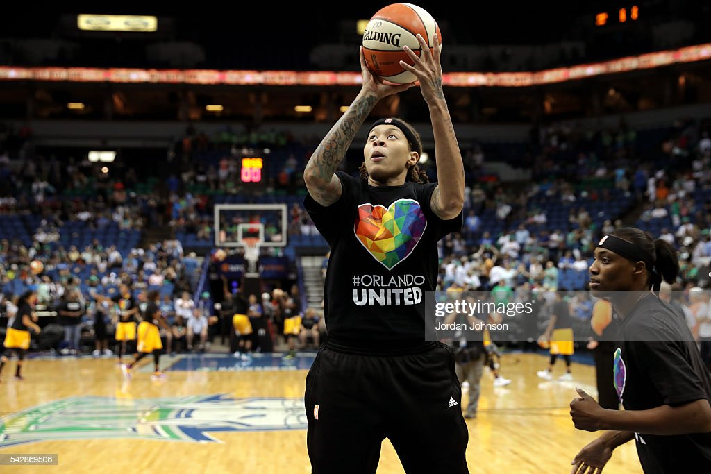 <a gi-track='captionPersonalityLinkClicked' href=/galleries/search?phrase=Seimone+Augustus&family=editorial&specificpeople=540457 ng-click='$event.stopPropagation()'>Seimone Augustus</a> #33 of the Minnesota Lynx warms up before the game against the Los Angeles Sparks during the WNBA game on June 24, 2016 at Target Center in Minneapolis, Minnesota.