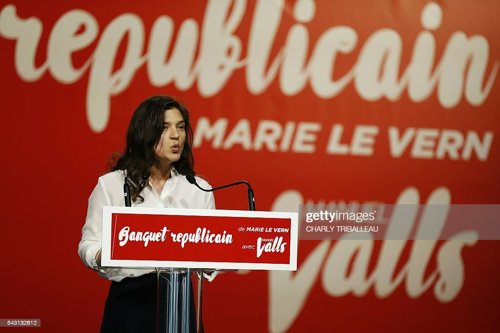 Seine-Maritime departmental councilor Marie Le Vern delivers a speech during the 'Banquet Republicain', on June 26, 2016 in Belleville-sur-Mer, northwestern France. / AFP / CHARLY