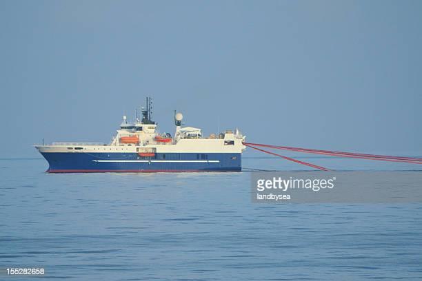 Sismiques enquête bateau avec et cotillons