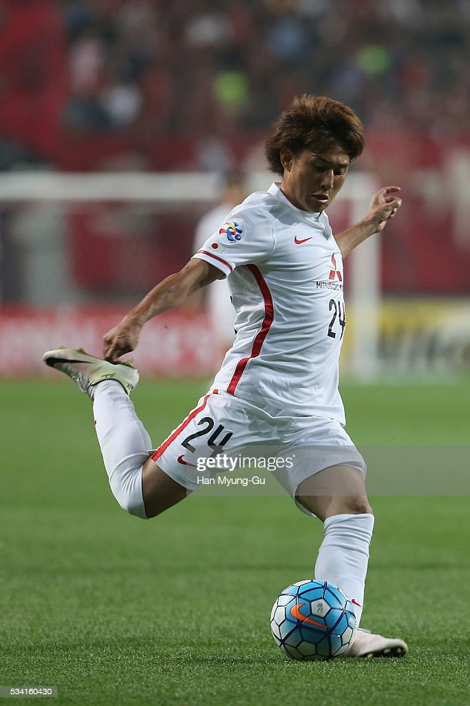 Sekine Takahiro of Urawa Red Diamonds in action during the AFC Champions League Round Of 16 match between FC Seoul and Urawa Red Diamonds at Seoul World Cup Stadium on May 25, 2016 in Seoul, South Korea.