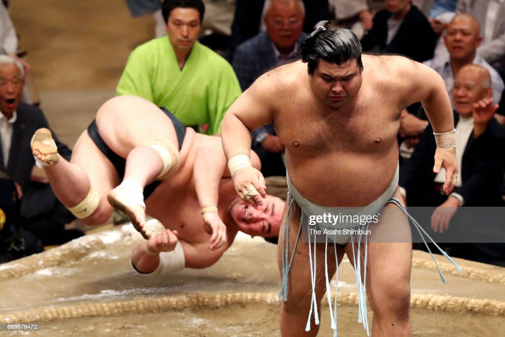 Grand Sumo Summer Tournament - Day 13