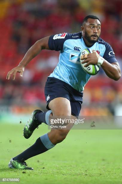 Sekope Kepu of the Waratahs runs the ball during the round 10 Super Rugby match between the Reds and the Waratahs at Suncorp Stadium on April 29 2017...