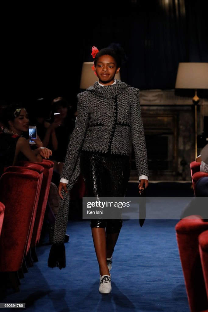 Selah Marley showcases designs by CHANEL on the runway during the CHANEL Metiers D'art Collection Paris Cosmopolite show at the Tsunamachi Mitsui Club on May 31, 2017 in Tokyo, Japan.