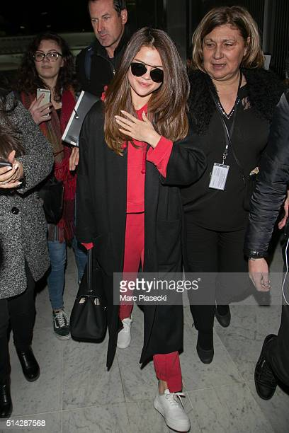 Selena Gomez arrives at CharlesdeGaulle airport on March 8 2016 in Paris France