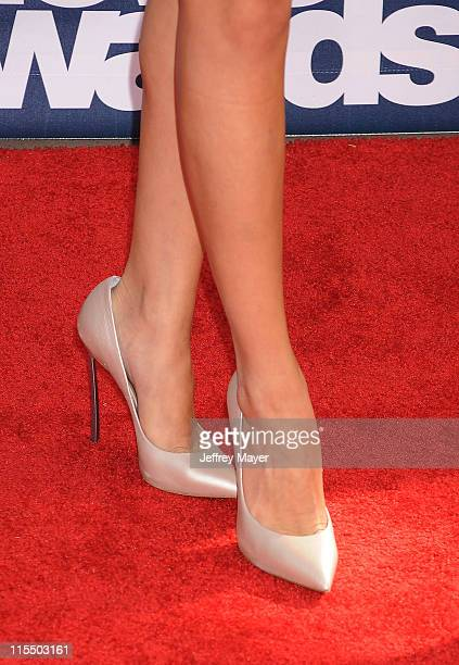 Selena Gomez arrives at the 2011 MTV Movie Awards at Universal Studios' Gibson Amphitheatre on June 5 2011 in Universal City California