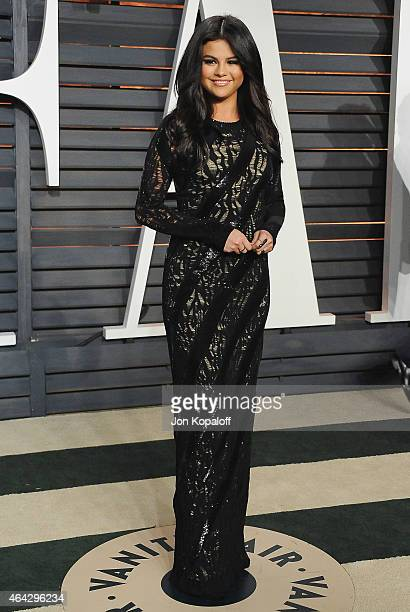 Selena Gomez arrives at the 2015 Vanity Fair Oscar Party Hosted By Graydon Carter at Wallis Annenberg Center for the Performing Arts on February 22...