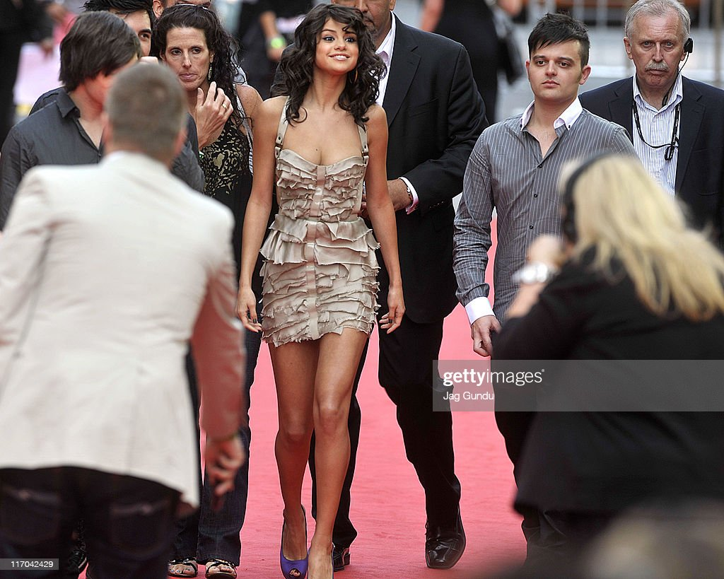 <a gi-track='captionPersonalityLinkClicked' href=/galleries/search?phrase=Selena+Gomez&family=editorial&specificpeople=4295969 ng-click='$event.stopPropagation()'>Selena Gomez</a> arrives on the red carpet at the 22nd Annual MuchMusic Video Awards at the MuchMusic HQ on June 19, 2011 in Toronto, Canada.