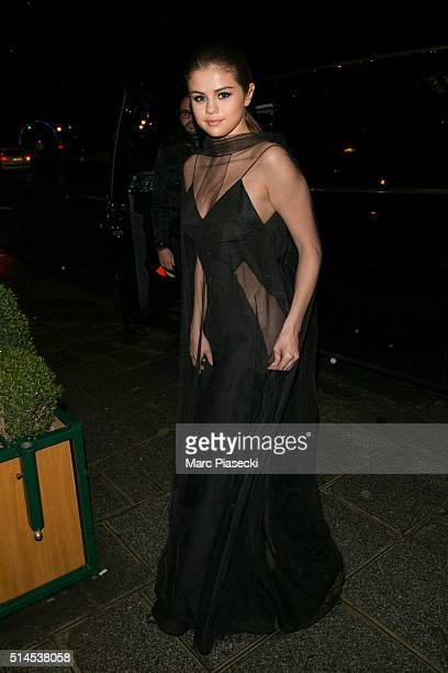 Selena Gomez arrives to attend the 'Louis Vuitton' dinner on March 9 2016 in Paris France
