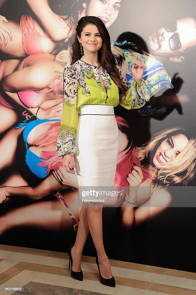 <a gi-track='captionPersonalityLinkClicked' href=/galleries/search?phrase=Selena+Gomez&family=editorial&specificpeople=4295969 ng-click='$event.stopPropagation()'>Selena Gomez</a> attends a photocall for Spring Breakers at the Villamagna Hotel on February 21, 2013 in Madrid, Spain.