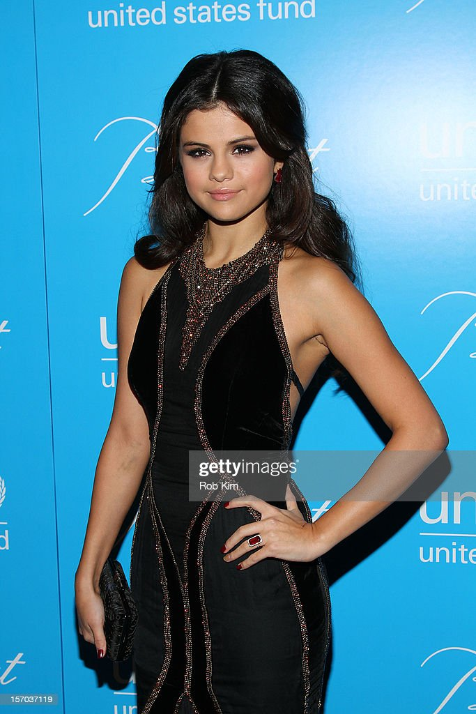 <a gi-track='captionPersonalityLinkClicked' href=/galleries/search?phrase=Selena+Gomez&family=editorial&specificpeople=4295969 ng-click='$event.stopPropagation()'>Selena Gomez</a> attends the 2012 UNICEF Snowflake Ball at Cipriani 42nd Street on November 27, 2012 in New York City.