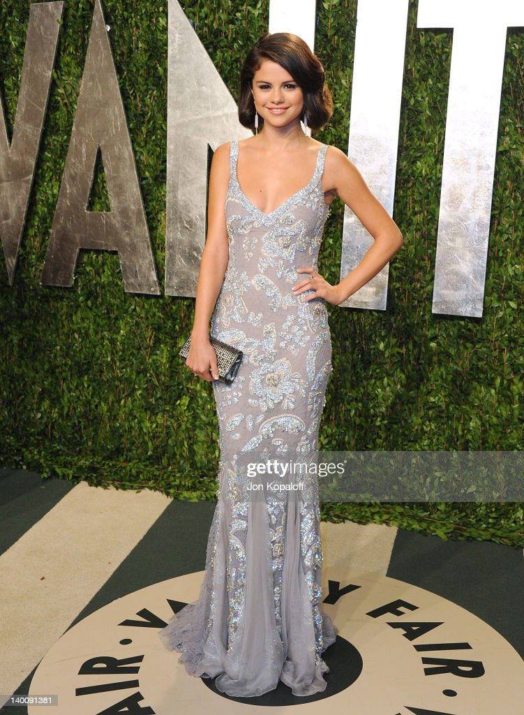 <a gi-track='captionPersonalityLinkClicked' href=/galleries/search?phrase=Selena+Gomez&family=editorial&specificpeople=4295969 ng-click='$event.stopPropagation()'>Selena Gomez</a> attends the 2012 Vanity Fair Oscar Party at Sunset Tower on February 26, 2012 in West Hollywood, California.