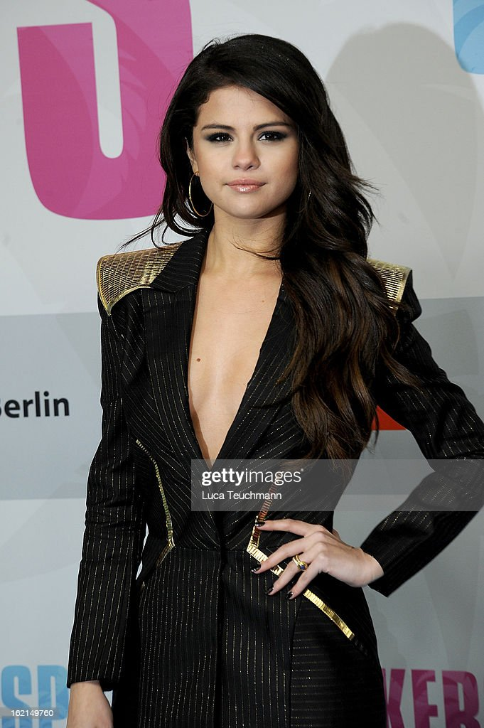 <a gi-track='captionPersonalityLinkClicked' href=/galleries/search?phrase=Selena+Gomez&family=editorial&specificpeople=4295969 ng-click='$event.stopPropagation()'>Selena Gomez</a> attends the premiere of ''Spring Breakers' at Sony Center on February 19, 2013 in Berlin, Germany.