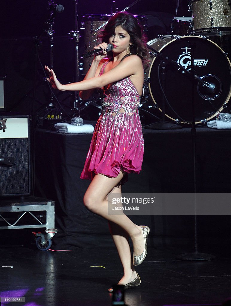 <a gi-track='captionPersonalityLinkClicked' href=/galleries/search?phrase=Selena+Gomez&family=editorial&specificpeople=4295969 ng-click='$event.stopPropagation()'>Selena Gomez</a> performs at the 2011 Concert For Hope at Gibson Amphitheatre on March 20, 2011 in Universal City, California.
